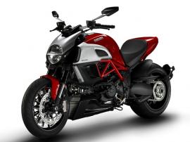 2011 Ducati diavel.
