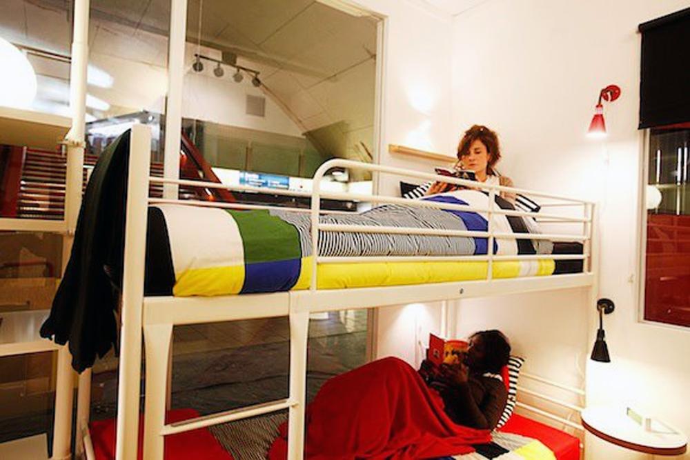 Appartement Ikea ikea installs apartment in parisian subway station. – designapplause
