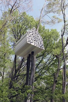 Bird apartment treehouse. Nendo.