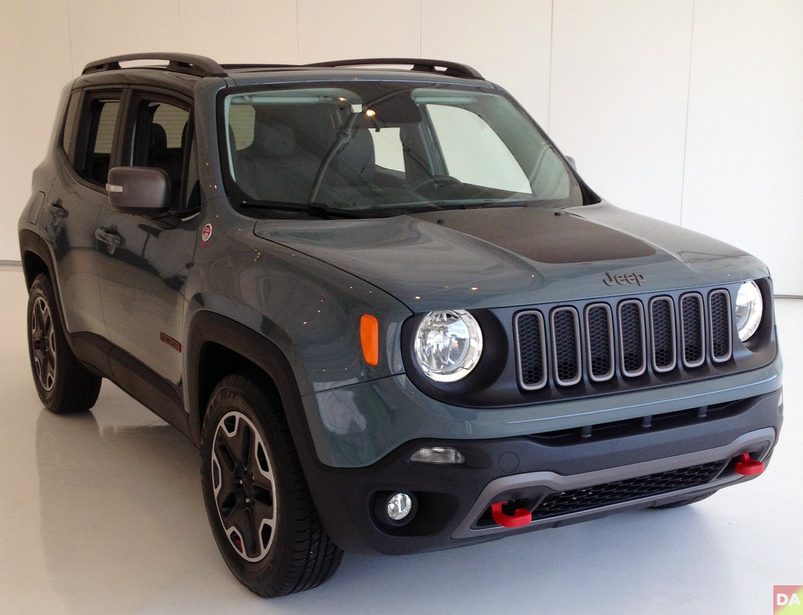 2015 jeep renegade final design.