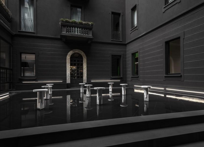 carwan gallery presents / stately hotel debuts. near via della spiga mdw16.
